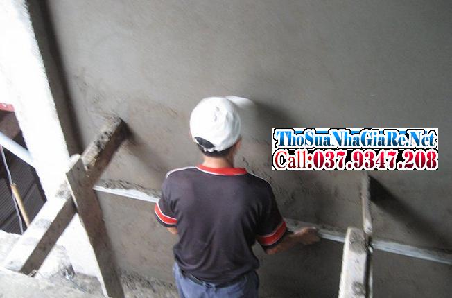Thợ trát tường chuyên nghiệp với các bước thi công